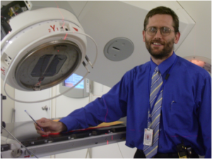 Sean_Geoghegan_with_linac_2008